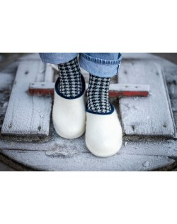 Backless felt slippers of virgin sheep wool, wool white-blue, handmade by Haunold