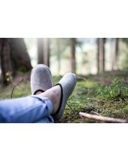 Backless felt slippers of virgin sheep wool grey-green, handmade by Haunold