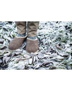 Backless felt slippers of virgin sheep wool brown-beige, handmade by Haunold