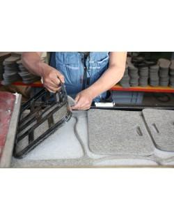 Die Sitzkissen werden aus dem robusten Haunold Walkfilz gestanzt