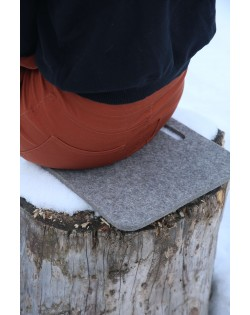 Our Haunold seat pads of fulled felt offer comfort at home, outdoors or on a hiking tour