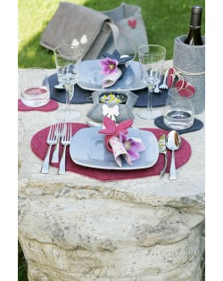 Haunold napkin holder of fine merino wool combinable with our glass coasters and placemats