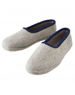 Felt slippers of virgin sheep wool for women, men and children grey-blue by Haunold