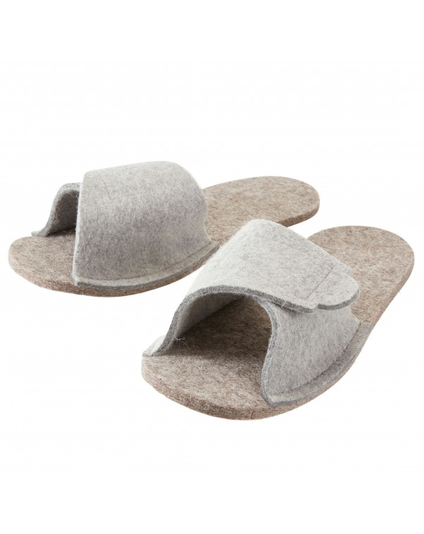 Haunold Felt overshoes in grey which can be adjusted with the Velcro fastener