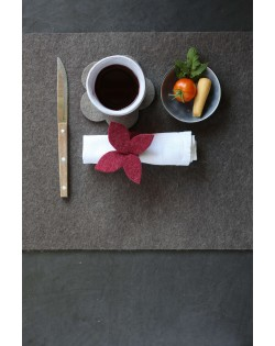 Haunold placemat of fine wool felt, practical accessory for your dining table