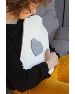 Il rivestimento in feltro di pura lana merino avvolge la borsa dell'acqua calda e protegge da scottature
