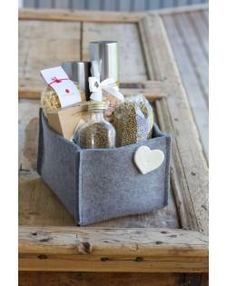 Compatta e maneggevole, la scatoletta in feltro il perfetto contenitore: in ufficio, in bagno, in cucina, in soggiorno...