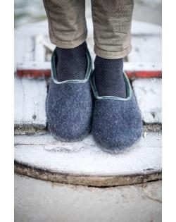 Felt slippers of virgin sheep wool blue-grey, handmade by Haunold