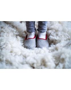 Felt slippers of virgin sheep wool grey-red, handmade by Haunold