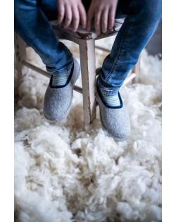 Felt slippers of virgin sheep wool grey-blue, handmade by Haunold